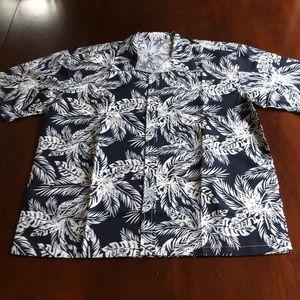 🏝NWT 🏝Navy & White Hibiscus Hawaiian Shirt